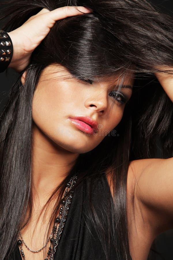женщина черных волос длинняя стоковая фотография