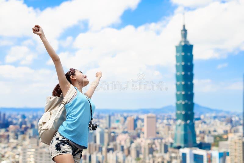 Женщина чувствует свободно стоковые фото