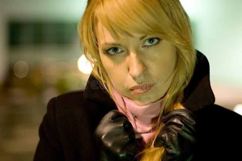 женщина шарфа пальто стоковое изображение