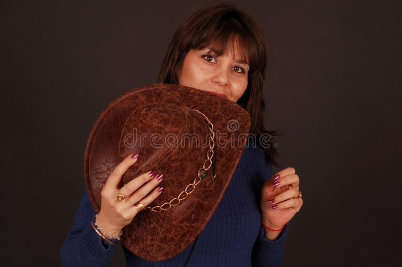 женщина шлема ковбоя милая стоковое фото