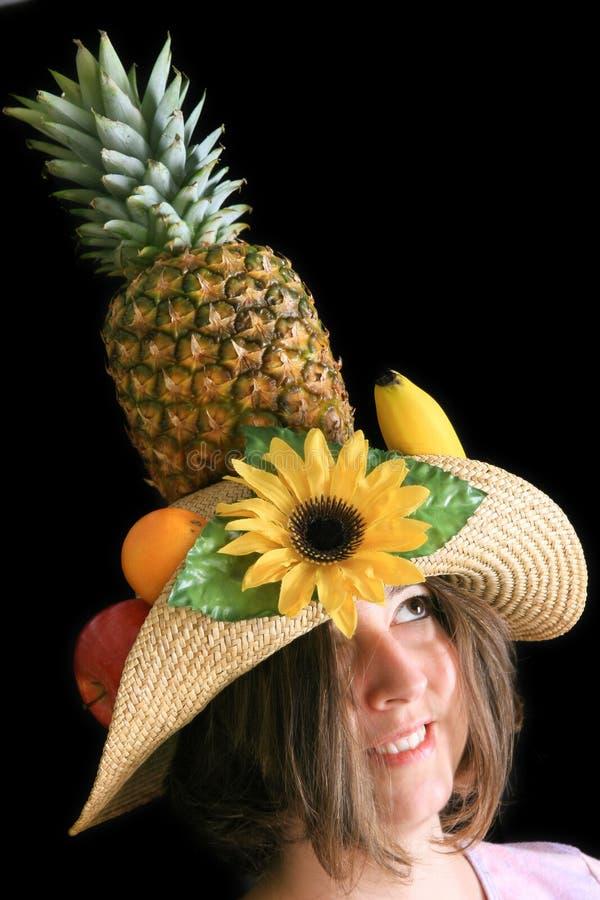 женщина шлема плодоовощ смешная стоковая фотография rf