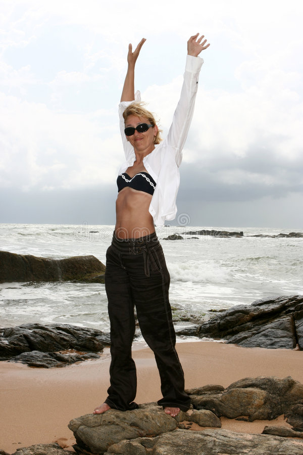Download женщина стоковое фото. изображение насчитывающей люди - 6861260