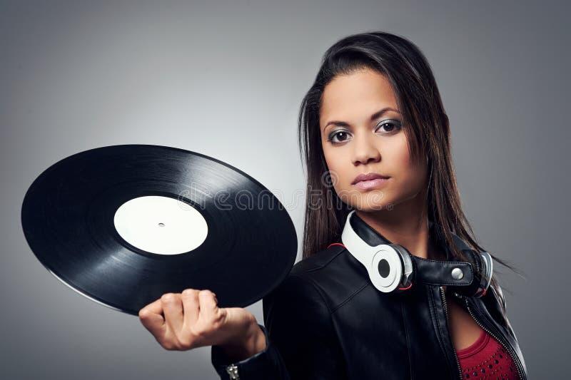 Download Женщина DJ стоковое изображение. изображение насчитывающей мило - 40580133