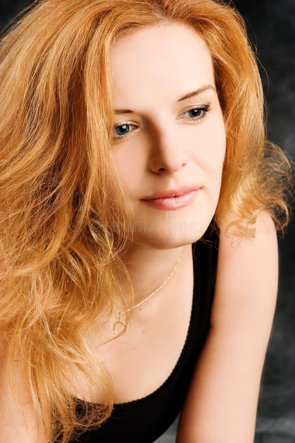 женщина redhead портрета романтичная сексуальная стоковые фотографии rf