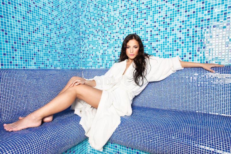 женщина sauna стоковая фотография rf