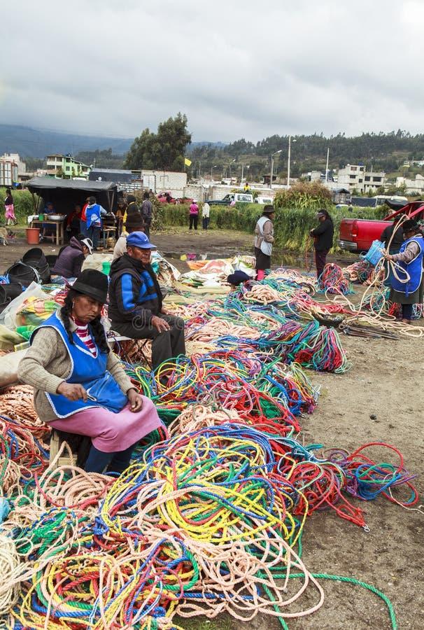 Женщины в рынке Saquisili в Кито стоковая фотография