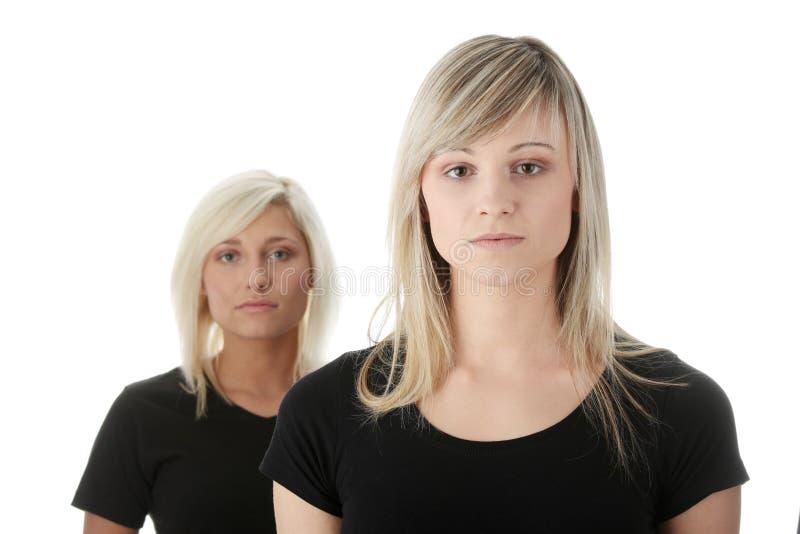 женщины друзей молодые стоковое фото rf
