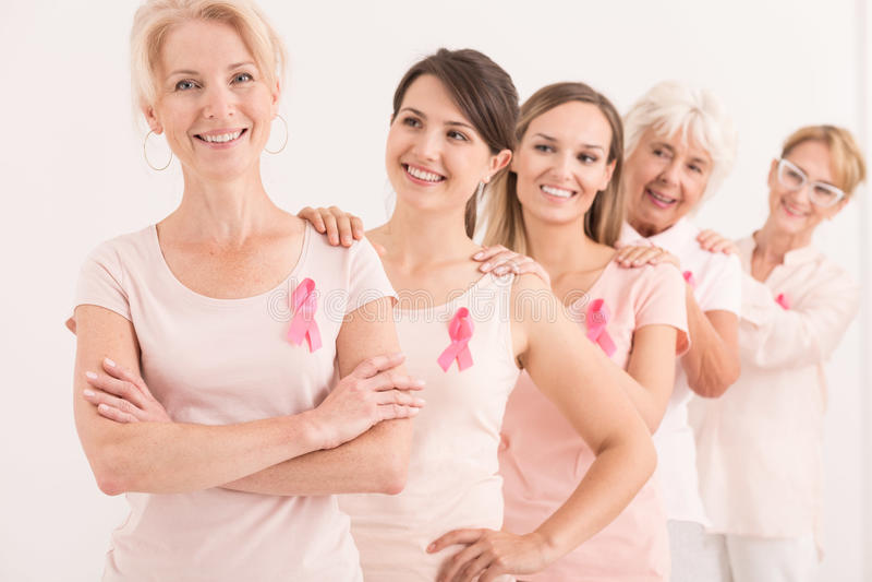 Женщины поддерживая один другого стоковые изображения rf