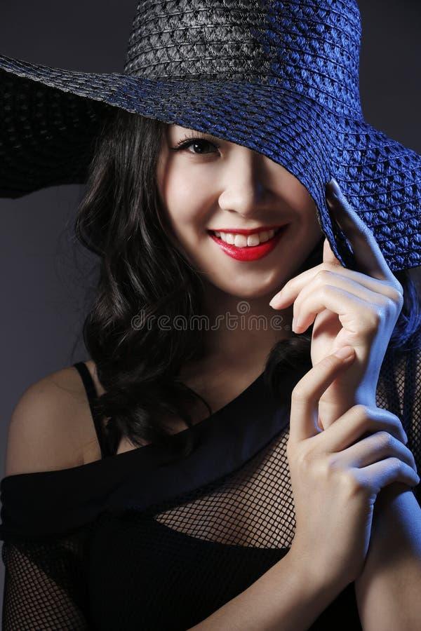 женщины предпосылки изолированные способом белые стоковые изображения rf