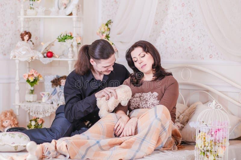 Женщины сообщили беременность стоковые изображения