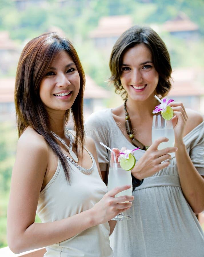 Женщины с пить стоковые фотографии rf