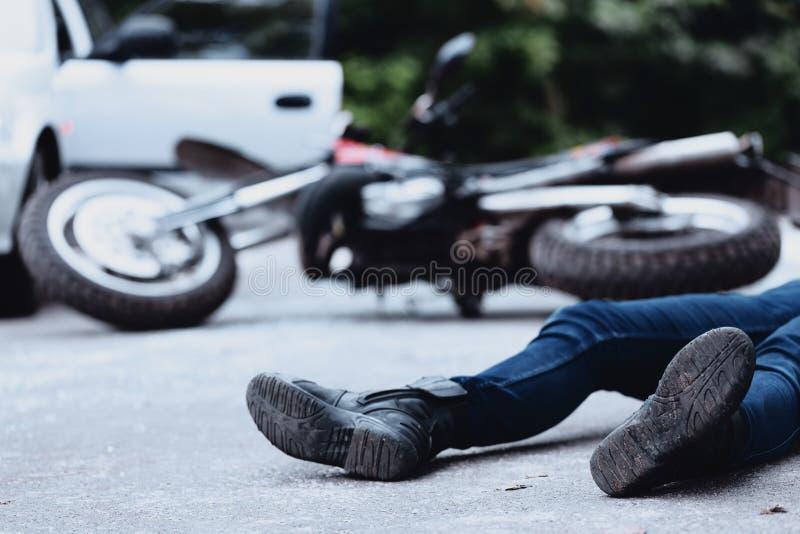 Жертва аварии мотоцилк стоковые фотографии rf