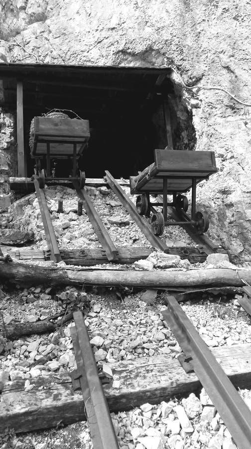 Железная вагонетка перехода стоковое фото rf