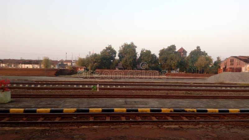 Железная дорога в маленьком городе стоковое фото rf