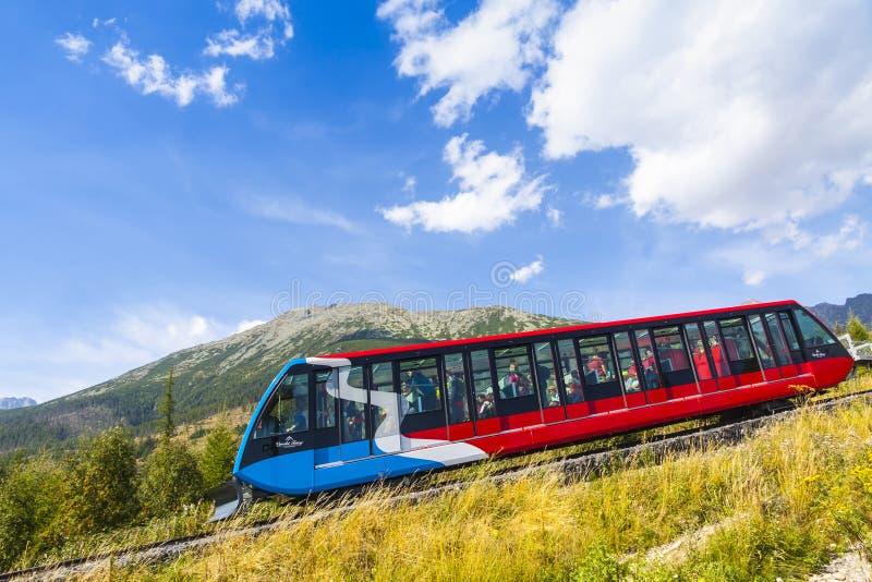 Железная дорога кабеля в высоком Tatras, Словакии стоковые изображения