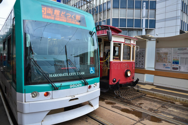 Железная дорога трамвая города Hakodate в лете стоковое изображение rf