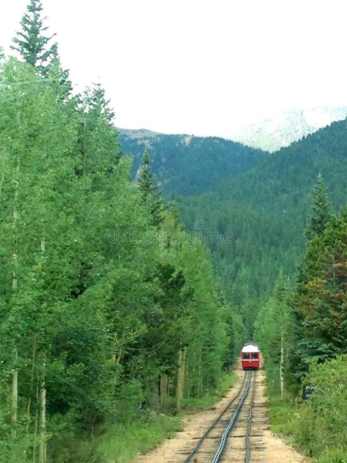 Железная дорога Cog на пике щуки стоковые фото