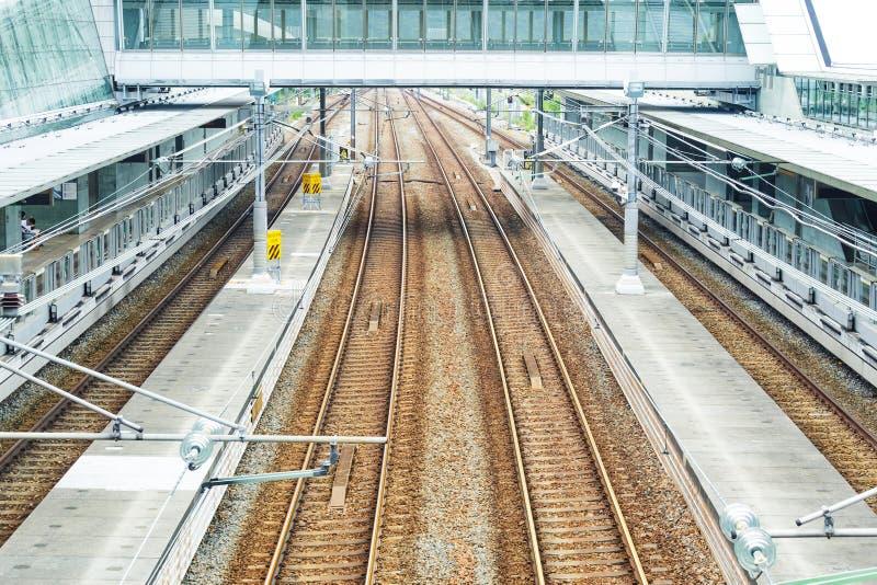 Download Железнодорожные пути стоковое фото. изображение насчитывающей камень - 33737874