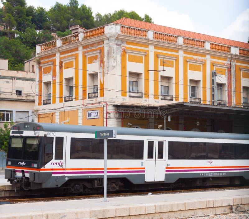 Железнодорожный вокзал в Tortosa, Испании стоковые изображения