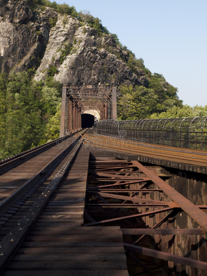 Железнодорожный мост вдоль аппалачского следа стоковая фотография rf