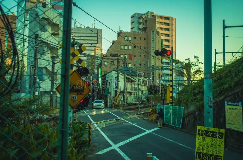 Железнодорожный переезд в токио стоковое изображение rf