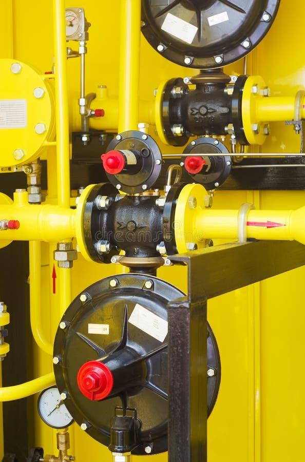 Желтая бензоколонка стоковые изображения rf
