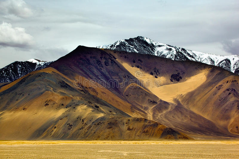 Желтая гора стоковое фото rf