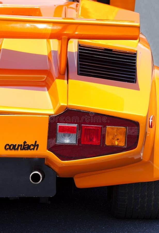 Желтое Lamborghini Countach - экзотический автомобиль стоковая фотография