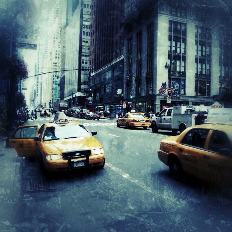 Желтые кабины в стиле grunge Нью-Йорка стоковое изображение rf