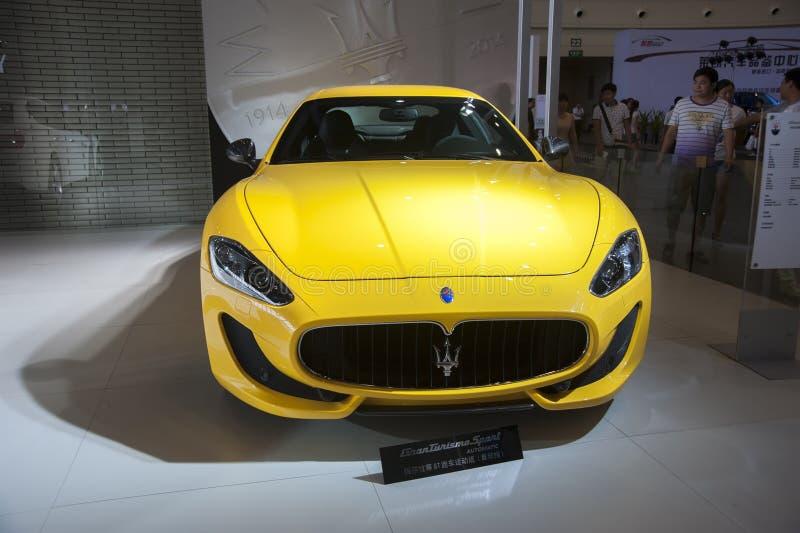 Желтый автомобиль maserati стоковые фото