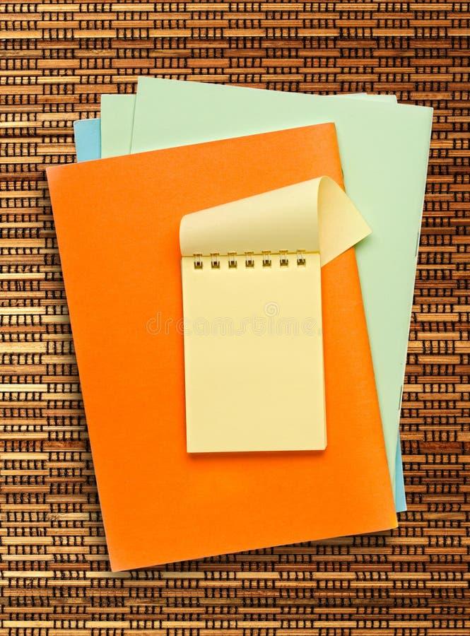 Желтый блокнот стоковые фотографии rf