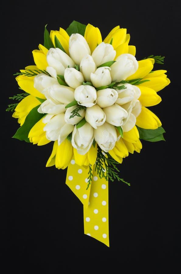 Желтый и белый букет стоковые изображения rf