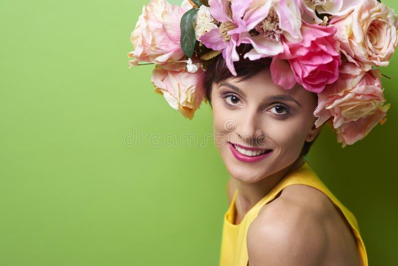 желтый цвет женщины весны принципиальной схемы зеленый стоковое изображение