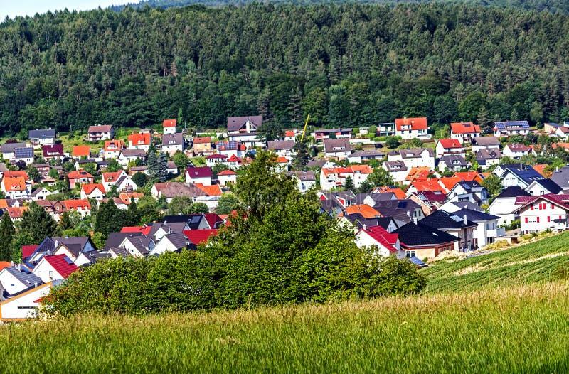 Живописная деревня около Касселя, Германии стоковая фотография rf