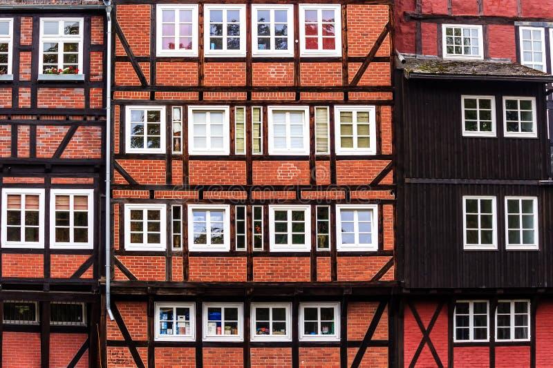 Живописные исторические здания в старом городке Lueneburg, Германии стоковые изображения rf