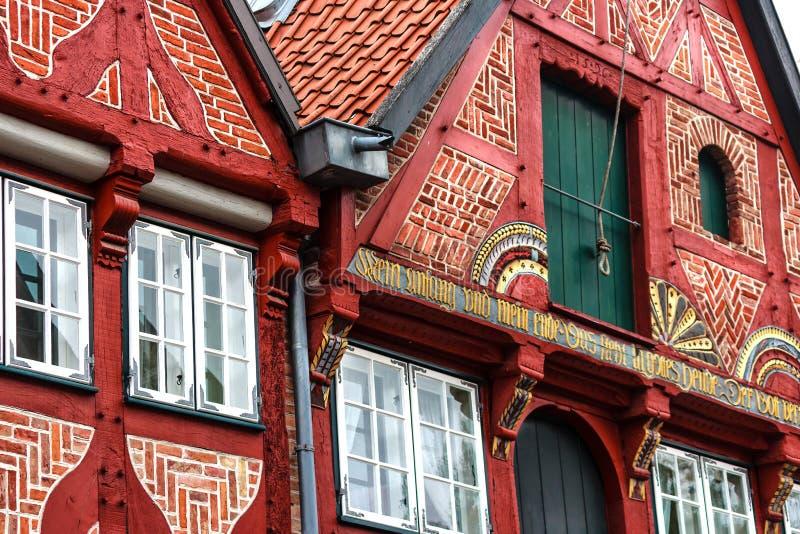 Живописные исторические здания в старом городке Lueneburg, Германии стоковое фото