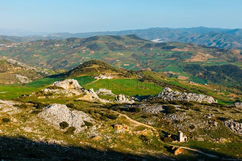 Живописные примеры ландшафта karst, природного парка El Torcal de Antequera, Испании стоковые фото