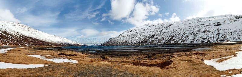 Живописный ландшафт Исландии горы стоковое изображение rf