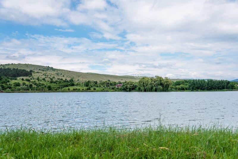 Живописный берег озера стоковая фотография