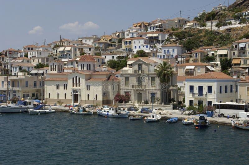 Download Живописный остров Poros в заливе Saronic Стоковое Фото - изображение насчитывающей греция, порт: 33738176