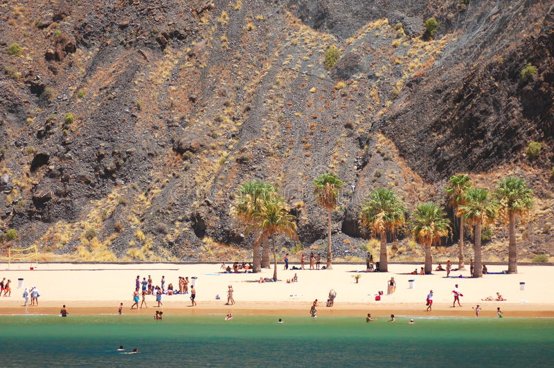 Живописный шикарный взгляд на пляже Teresitas на острове Тенерифе стоковые фото