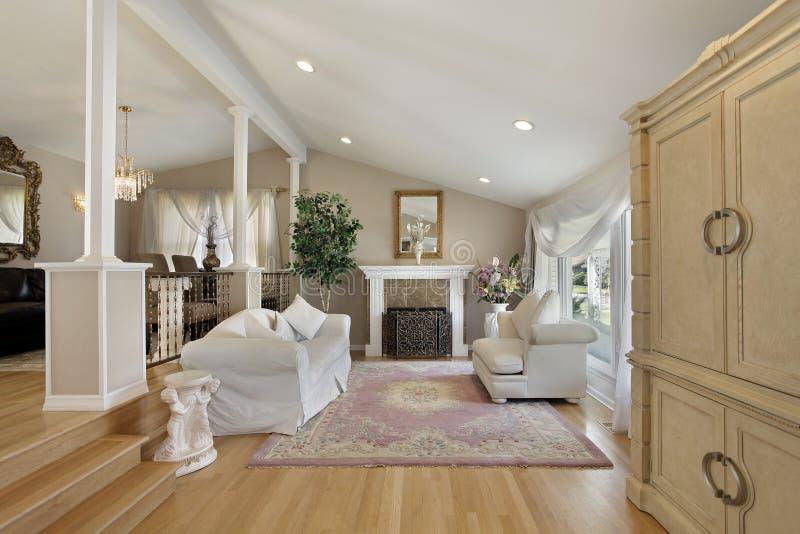 Живущая комната с граничащей столовой стоковое фото rf
