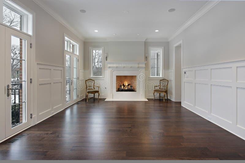 Живущая комната с камином стоковое фото