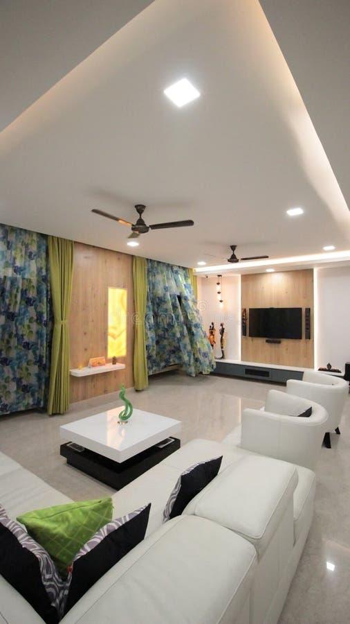 живущая самомоднейшая комната стильная стоковая фотография rf