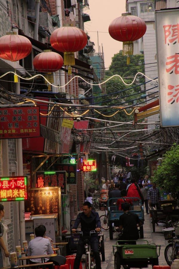 Живя жизнь старого стиля Гуанчжоу стоковые фотографии rf