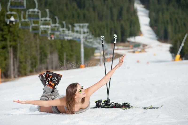 naked-female-skiing-photos