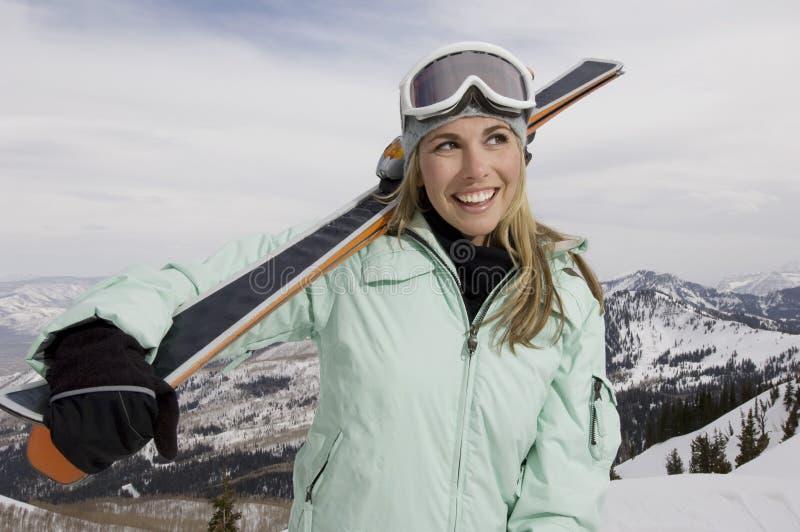 Жизнерадостный лыжник стоковое фото rf
