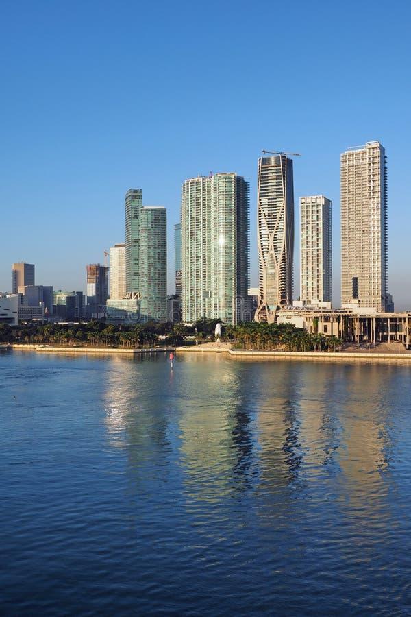 Жилые башни на заливе Biscayne, Майами стоковые изображения