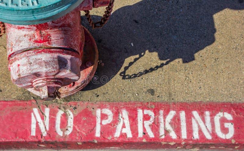 Жидкостный огнетушитель на тротуаре в Placerville стоковые фотографии rf