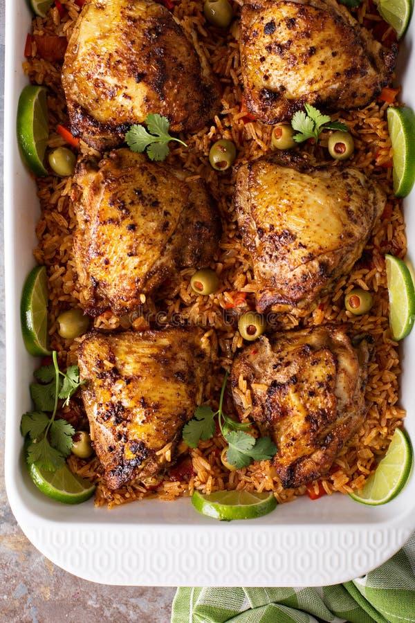 Жулик Arroz Pollo, опаленный цыпленок с испанским рисом стоковое изображение